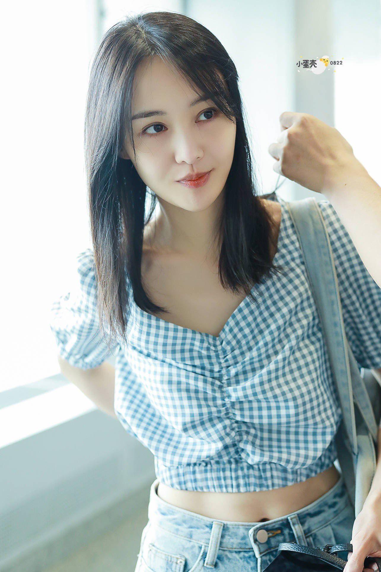 Zheng Shuang 2019 Chinese Actress Crop Tops Fashion