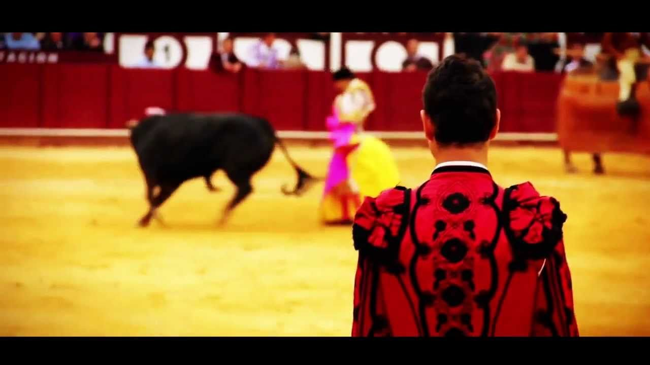 Introduction to Bull Fighting 2 minute intro in English