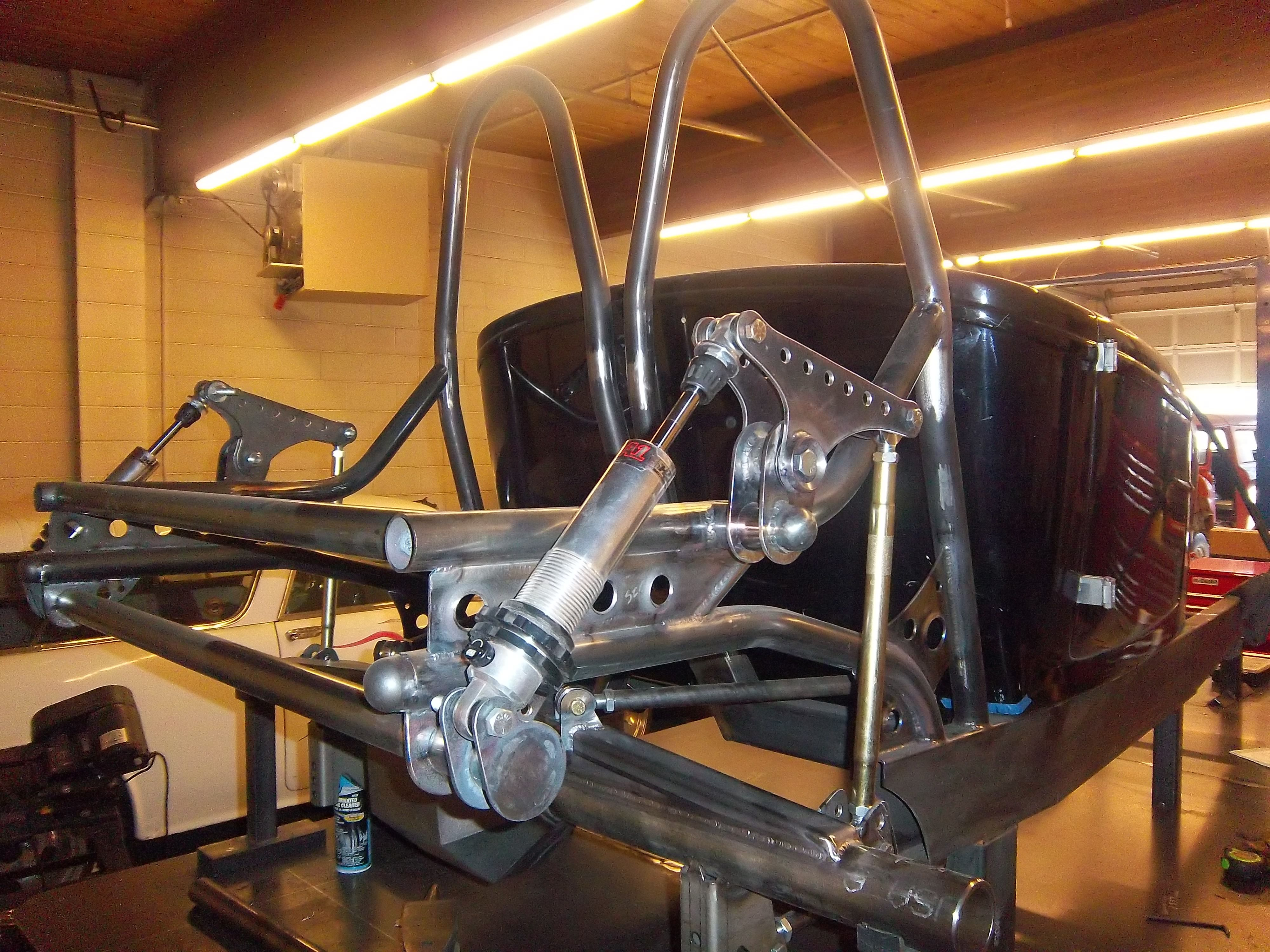 Custom hot rod with cantilever suspension being built by for Suspension rond