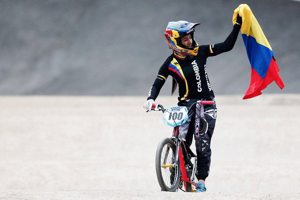 RT @CABLENOTICIAS: ¡VAMOS CAMPEONA!  Mariana Pajón, a minutos de ir por la gloria en los #BMX de #Rio2016 @CABLENOTICIAS https://t.co/xFPjBAM2sv