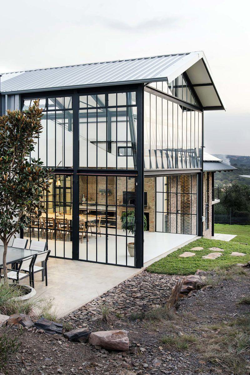 Style industriel pour une maison d 39 architecte loft architect house green house design et - Petite maison architecte ...