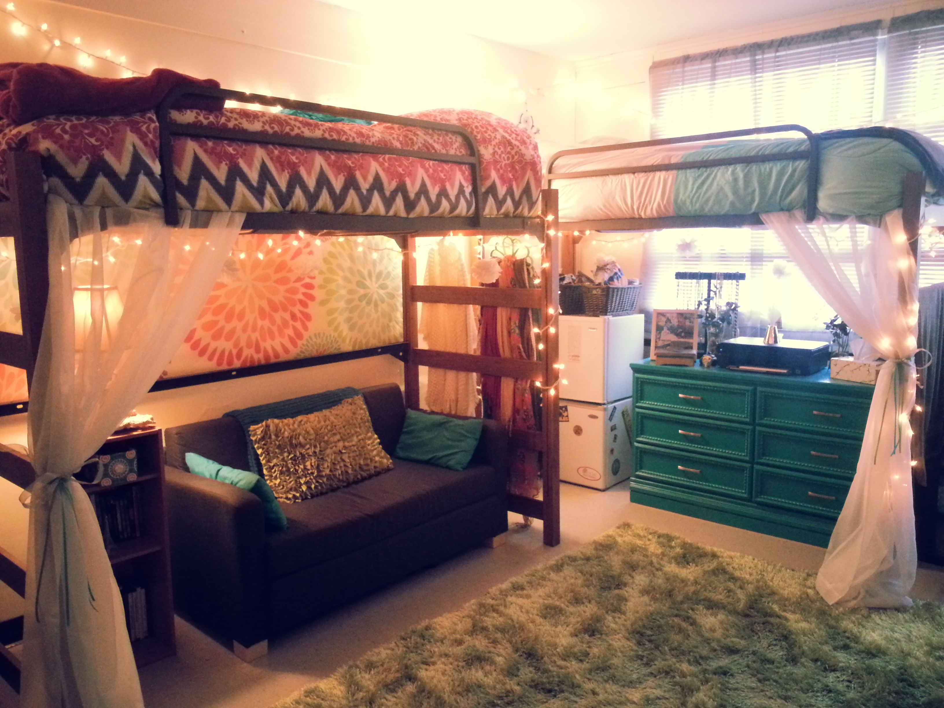 UGA Best Female Room Photo Contest | Dorm Designs | Pinterest ...