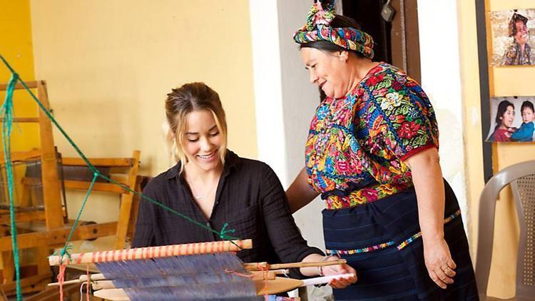 Little Market Online Seeks To Have A Big Effect For Women Worldwide Women Women Weavers Fashion