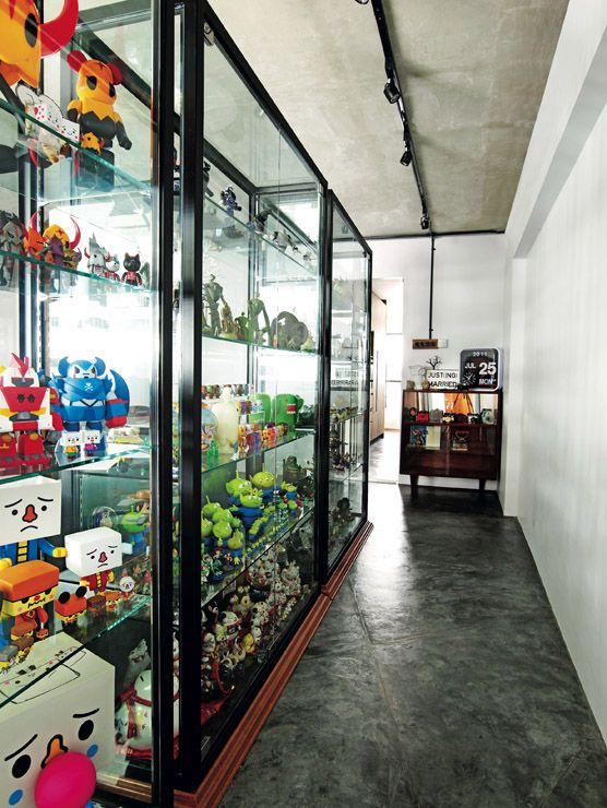 Own Note: Toy Display Shelves. Only For One Side Of The