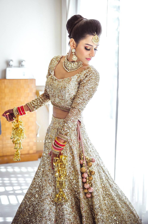 gorgeous bridal gold lehenga. So exiting Indian wedding jewelry and ...