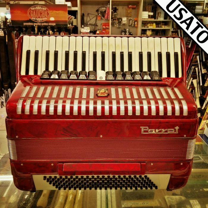 Fisarmonica Parrot Usata con astuccio incluso nel prezzo. In garanzia. 120 bassi, voci 4a e 5a, registri 13+5.