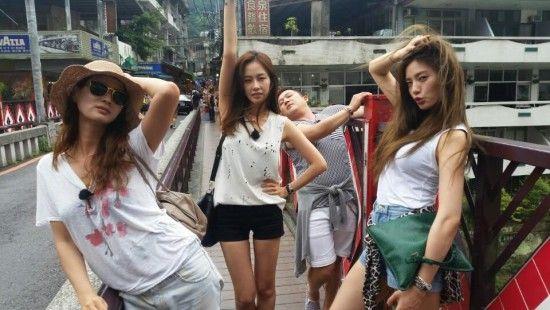 Nana, Lee So Ra, Hong Soo Hyun, and Jo Se Ho pose like models in Taiwan in BTS photos from 'Roommate'   allkpop.com