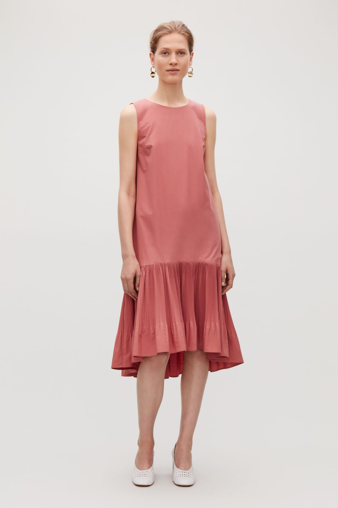 f93fd2ae3 PLEATED SLEEVELESS DRESS - Fresh berry - Dresses - COS GB | ATM in ...