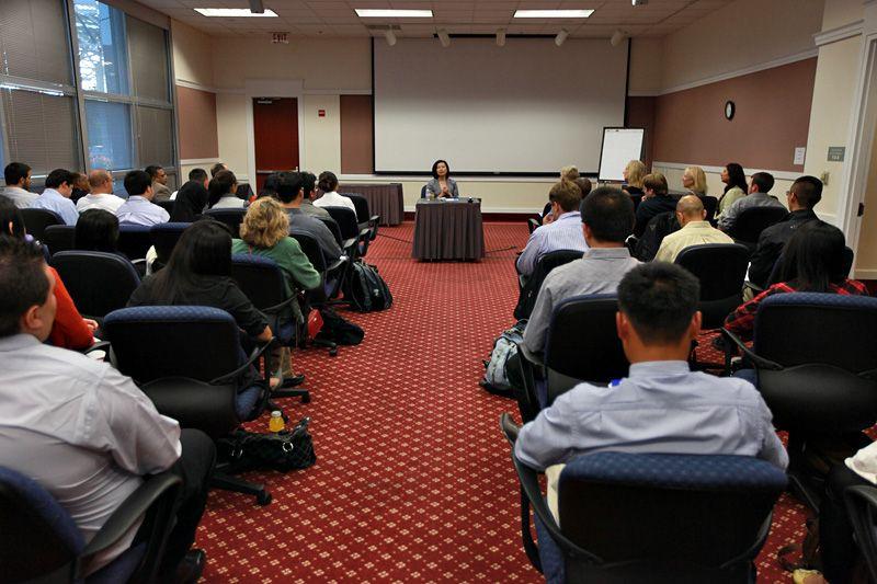 SJSU Alumni Jenny Ming speaking to MBA students Mba