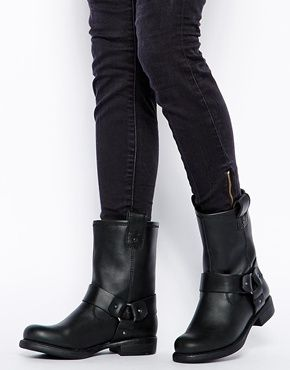 35cdb962 Botas de media caña CLOUD de ASOS | outfits | Botas, Zapatos, Botas ...