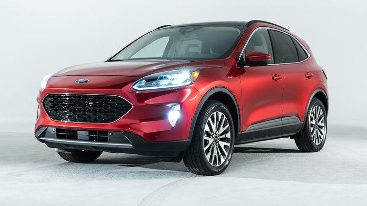 Refreshing Or Revolting 2020 Ford Escape Motortrend Ford Escape Ford Ford Suv
