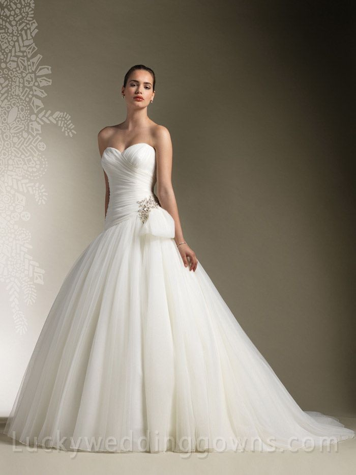 Wedding Dresses for any Body Type | Ball gowns, Wedding dress and Ivory