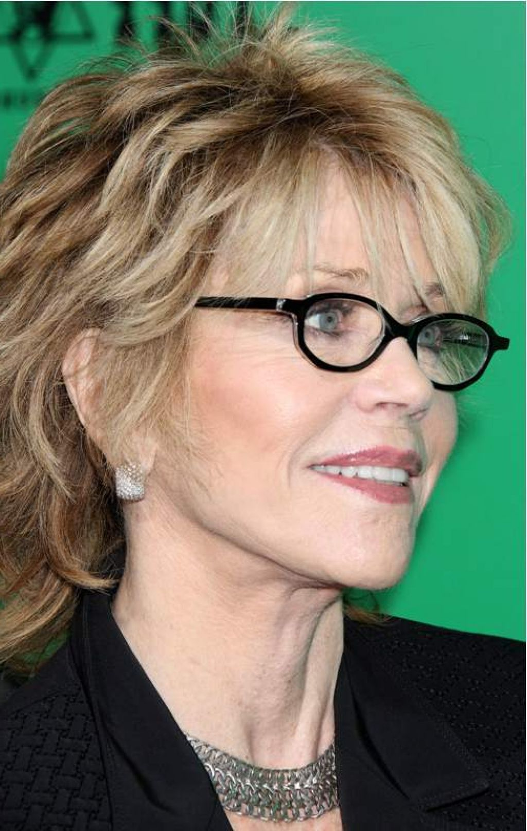 Short Hairstyles With Glasses - Hairstyles for women over 60 with glasses