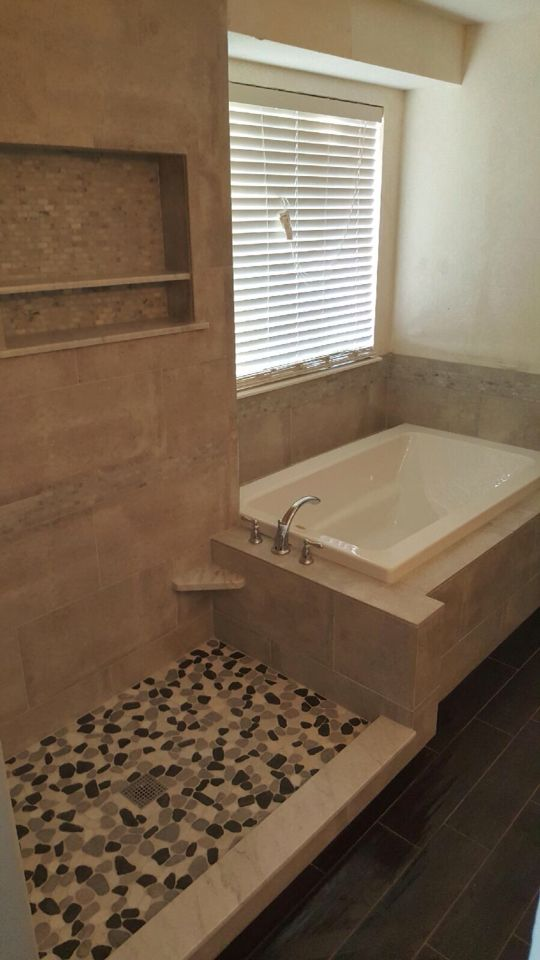 Tub and shower combo with a 4\