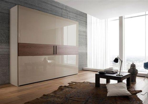 Nice Wohnzimmer Kleiderschrank Hochglanz Lack Holz Nachbildungen