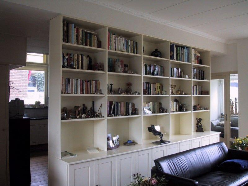 Scheidingswand Woonkamer Keuken : Boekenkast als scheidingswand tussen keuken en woonkamer