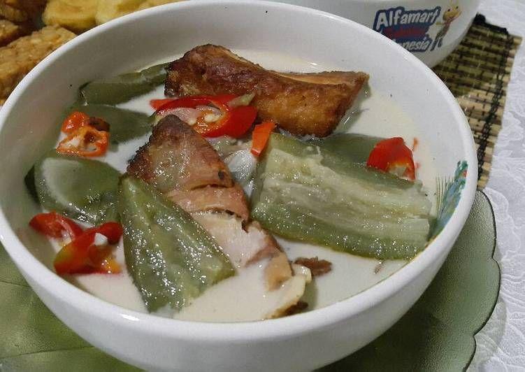 Resep Lodeh Terong Ikan Asap Oleh Isnijack Resep Ikan Asap Makanan Dan Minuman Fotografi Makanan