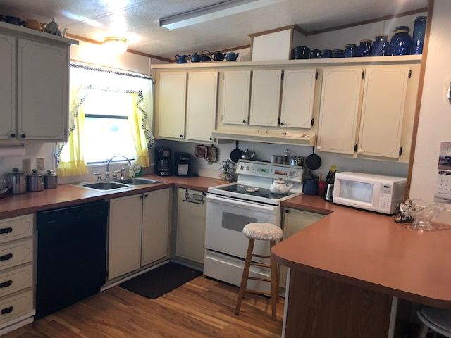 1983 Resi Mobile / Manufactured Home in New Port Richey ...