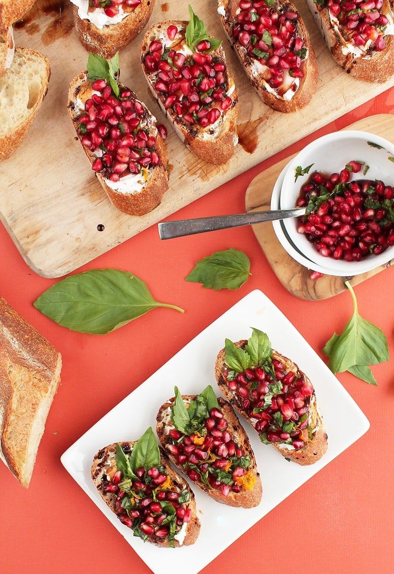 Vegan Pomegranate And Cream Cheese Bruschetta Vegetarian Christmas Recipes Vegan Party Food Vegan Christmas Recipes