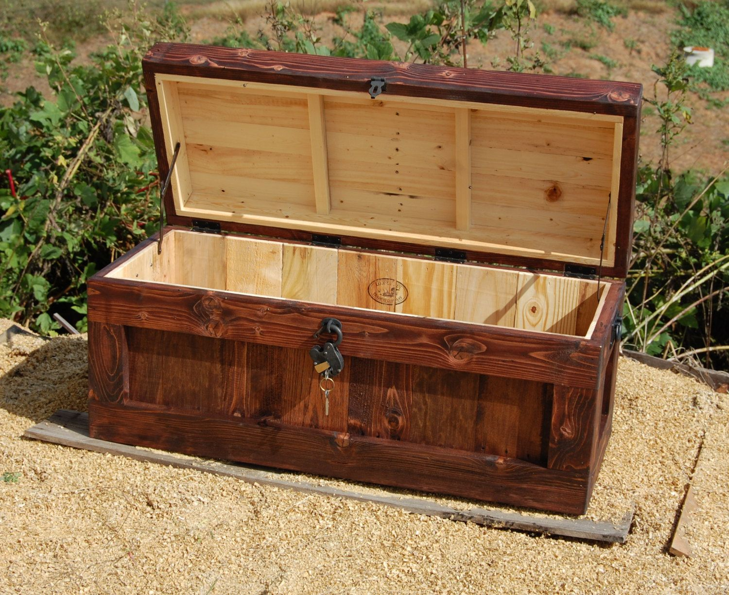 Wonderful Chest With Lock/ Hope Chest/ Wooden Trunk/ Coffee Table/ Storage/ Padlock