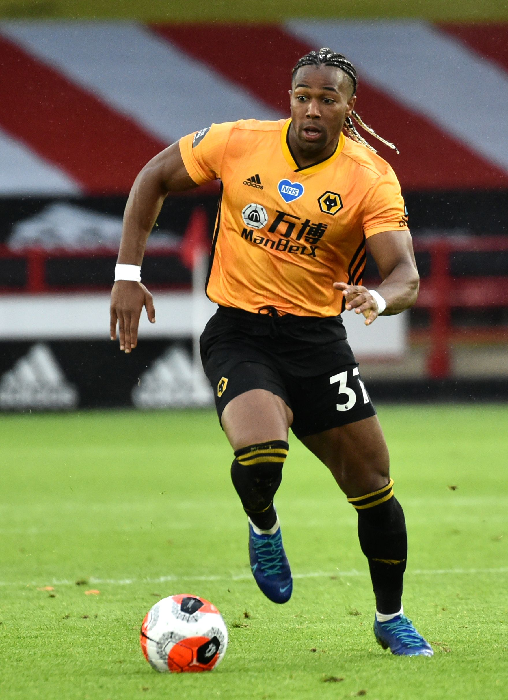 Adama Traore Will Assess Shoulder Problem At End Of The Season In 2020 Shoulder Problem Seasons Shoulder