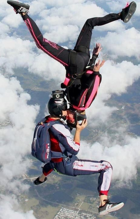 Skydive Kiss Photo Credit Http Www Flyaerodyne Com Follow For Follow Pin For Pin Skydiving Extreme Photography Extreme Sports