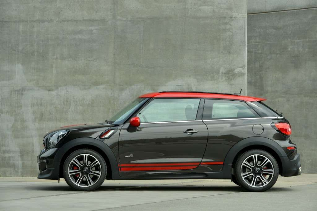 The New Mini John Cooper Works Paceman 218hp 280nm 0 60 In 6 8 Seconds Read And See More Http Www Performance Ca John Cooper Works Mini Cars Mini Paceman