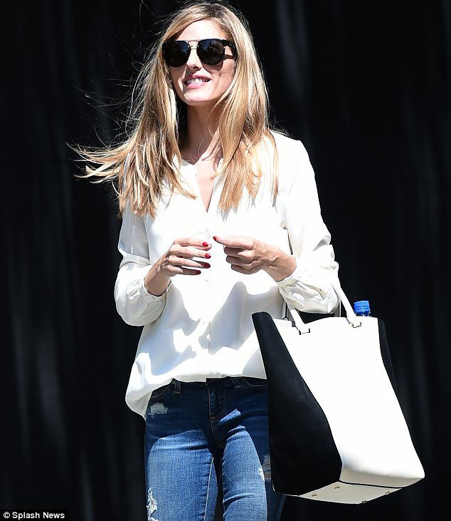 Olivia Palermo emerges with no wedding ring after secret marriage