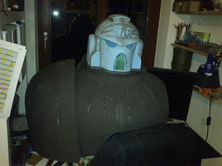 This is what I got so far for my Lifesize Space Marine. Next days I finish the shoulderpads and the backpack.