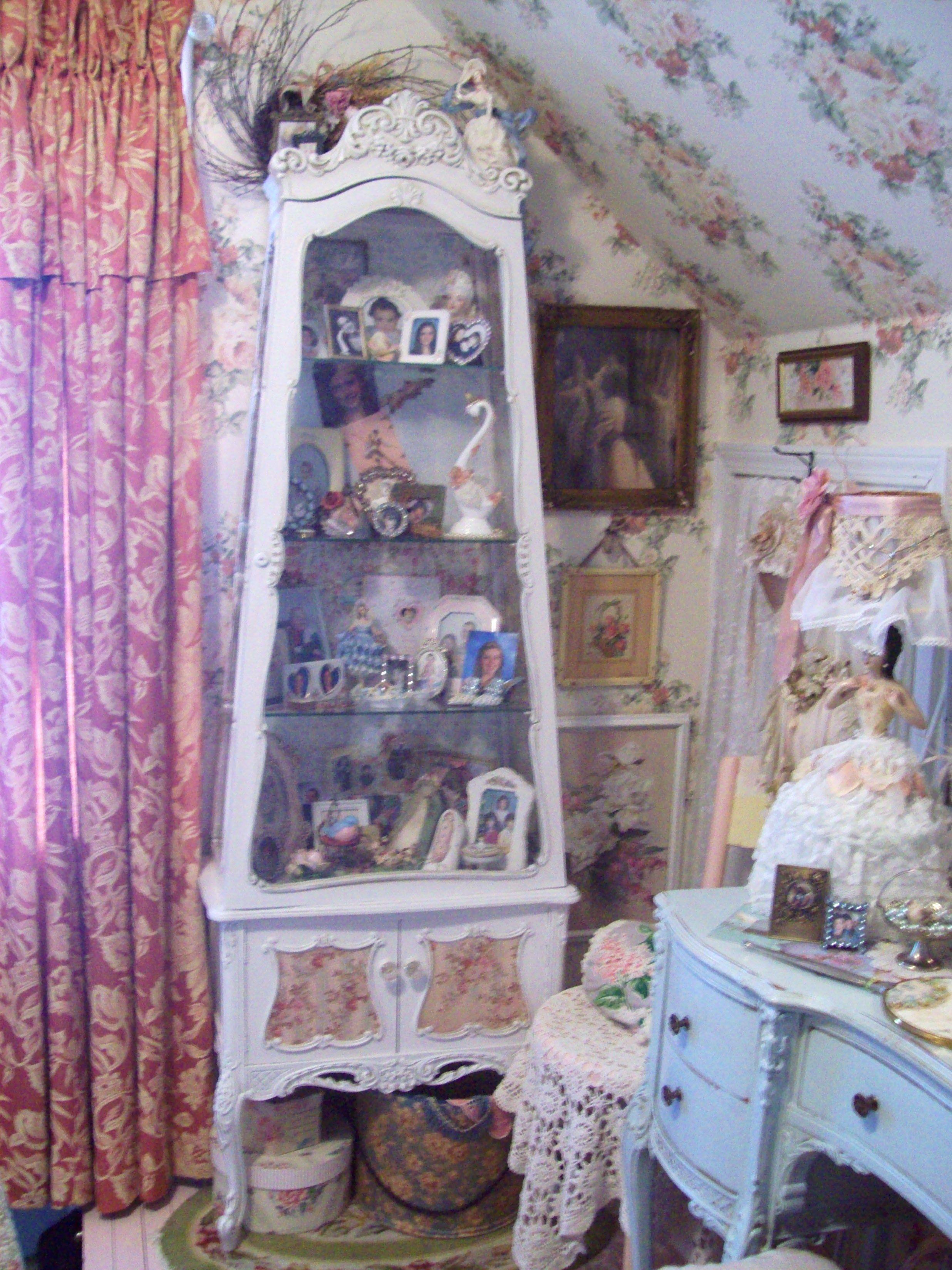 Pretty Curio Cabinet Pure Cottage Home Pinterest