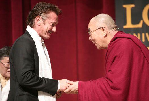 Sean Penn introduces the Dalai Lama at my school, Loyola University Chicago. :)