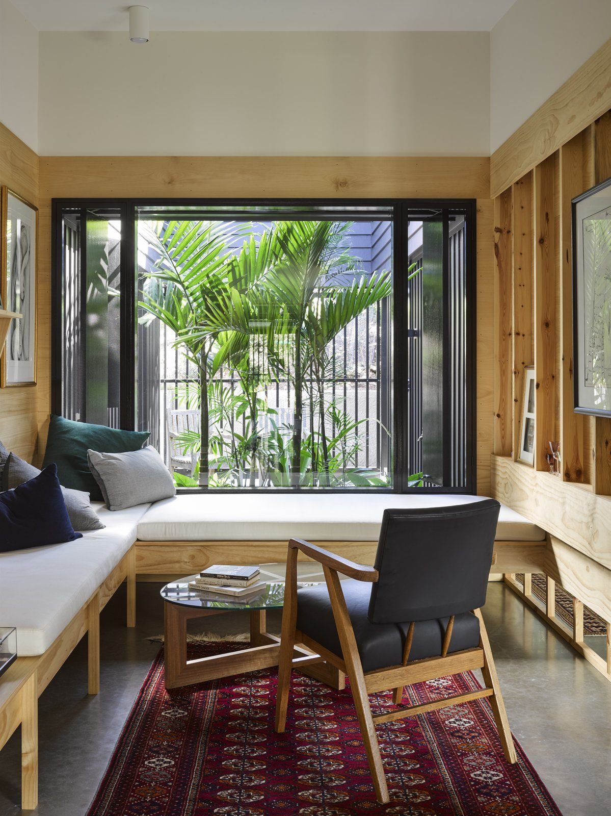 Byron bay house vokes and peters alcove also photo of in book lovers bookmark this australian home designed rh pinterest