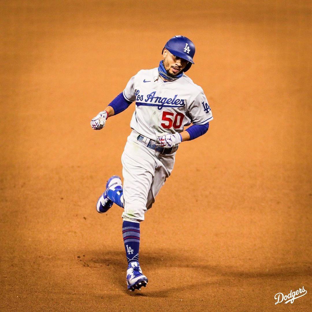 Los Angeles Dodgers On Instagram Mookie Clutch In 2020 Dodgers Los Angeles Dodgers Los Angeles