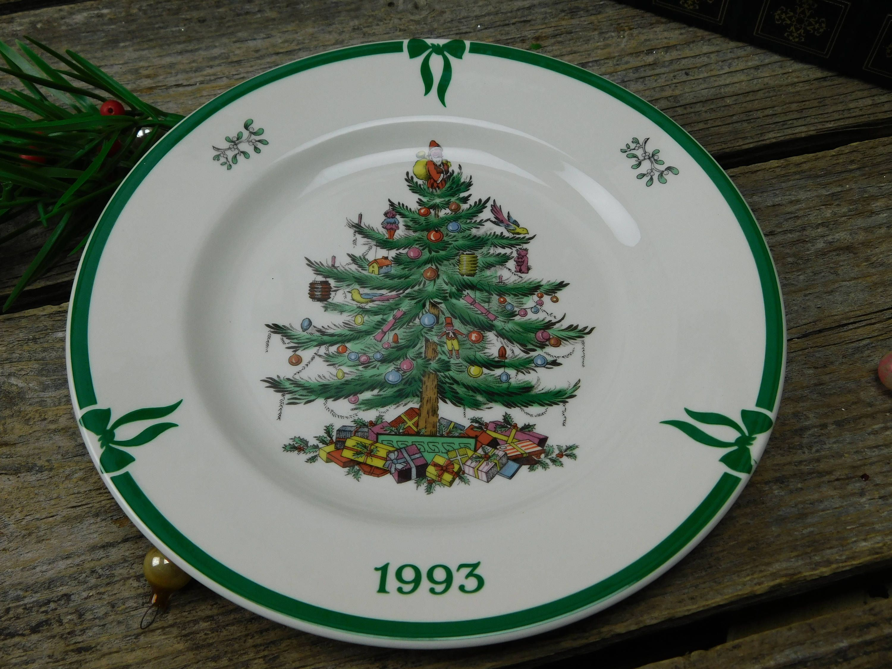 Vintage 1993 Spode Christmas Tree 8 Collector S Plate By Allthatsvintage56 On Etsy Christmas Dinnerware Spode Christmas Christmas Plates