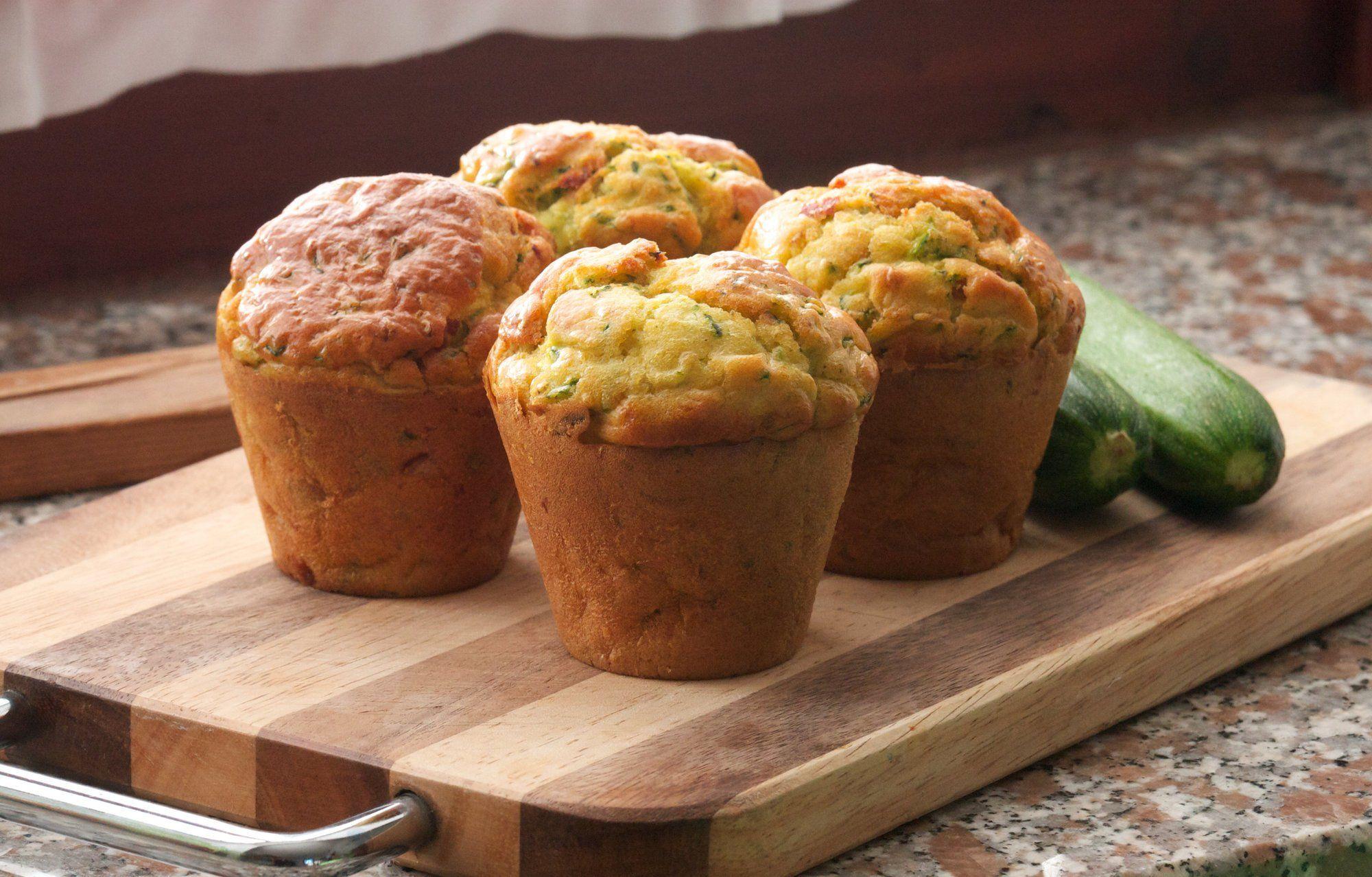 Baksten du kan spise hver dag...TILSETT GRØNNSAKER: Et enkelt triks for å gjøre baksten litt sunnere, enten det er muffins, brød eller rundstykker, er å tilsette litt grønnsaker i deigen. Se hvilke du kan teste ut lenger ned i saken.