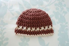Alli Crafts: Free Pattern: Beanie with Crossed Texture Detail Row - Premie