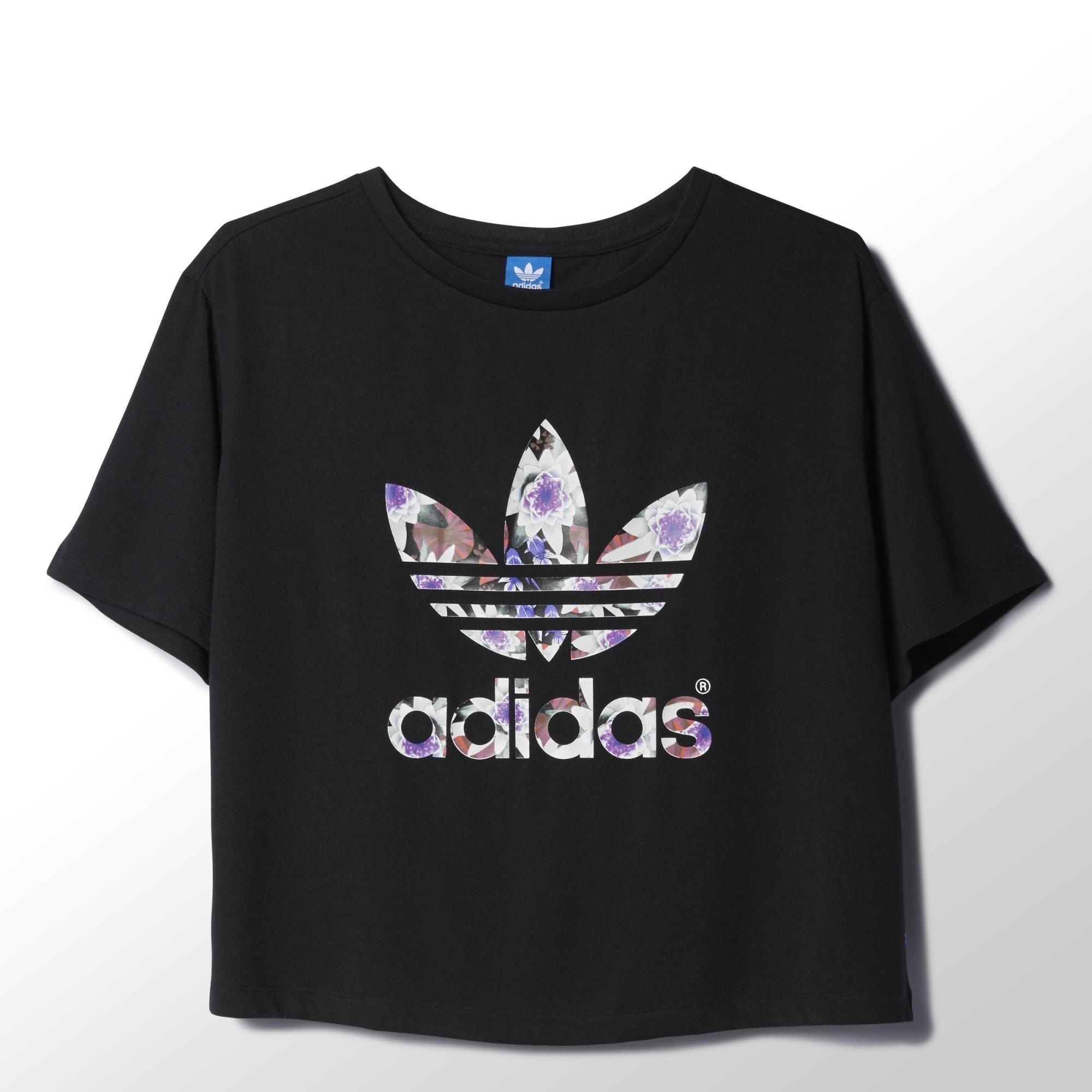 Adidas t shirt lotus print formes dtails marquages the trefoil on the front of this womens t shirt has a fresh lotus flower graphic designed by japanese artist shinpei naito made from polyester jersey izmirmasajfo Images