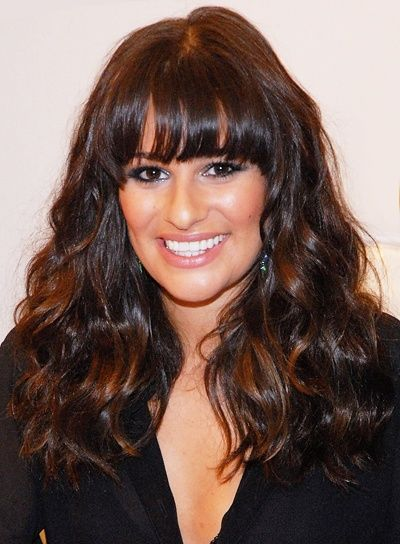 Lea Micheles Long Thick Wavy Chic Brunette Hairstyle With Bangs And Highlights Is A Great Way To Styl Hair Styles Curly Hair Styles Naturally Curly Hair Styles