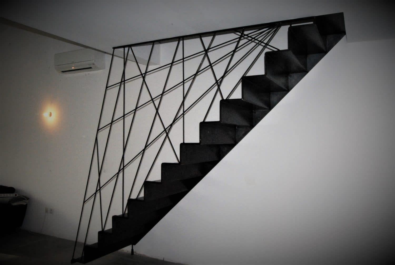 "Garde Corps Haut Escalier escalier suspendu en acier avec rampe et garde-corps ""mikado"