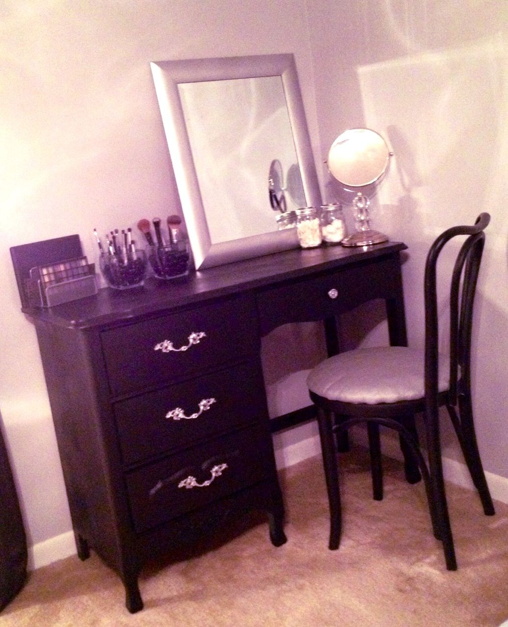 My Homemade Vanity One Man S Trash Is Another Determined Woman S Treasure Makeup Organization Dream