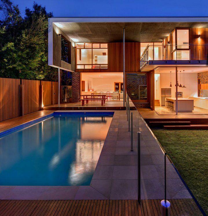 Esterno villa moderna con piscina interior design for Esterno villa moderna