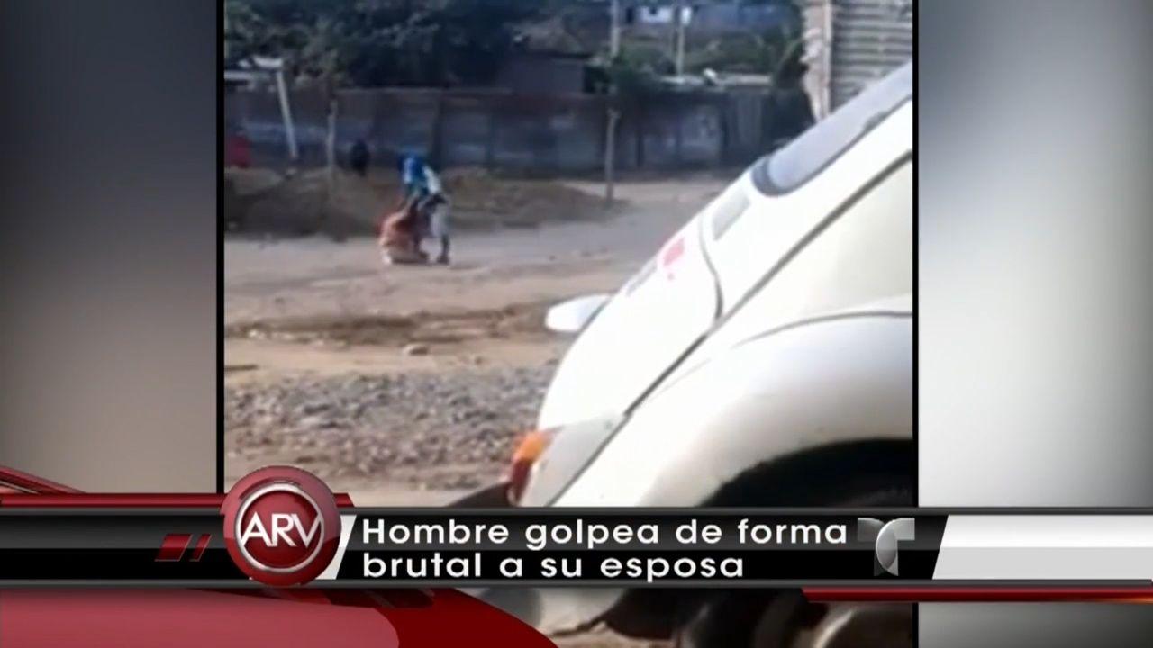 Captado en cámara la brutal golpiza que un hombre le propina a su esposa en Peru