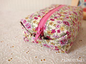pouch box http://nunotoiro.net/sewing-tutorials/nunotoiro-pattern-recipe-p03.pdf