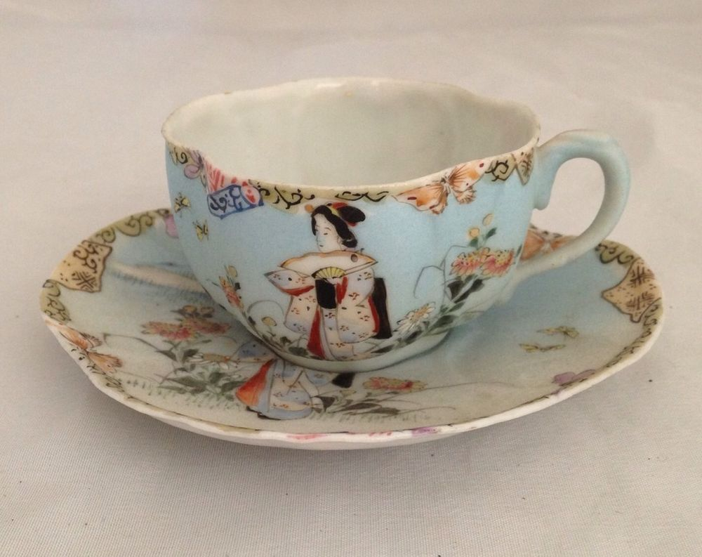 Antique Chinese Porcelain Tea Cup