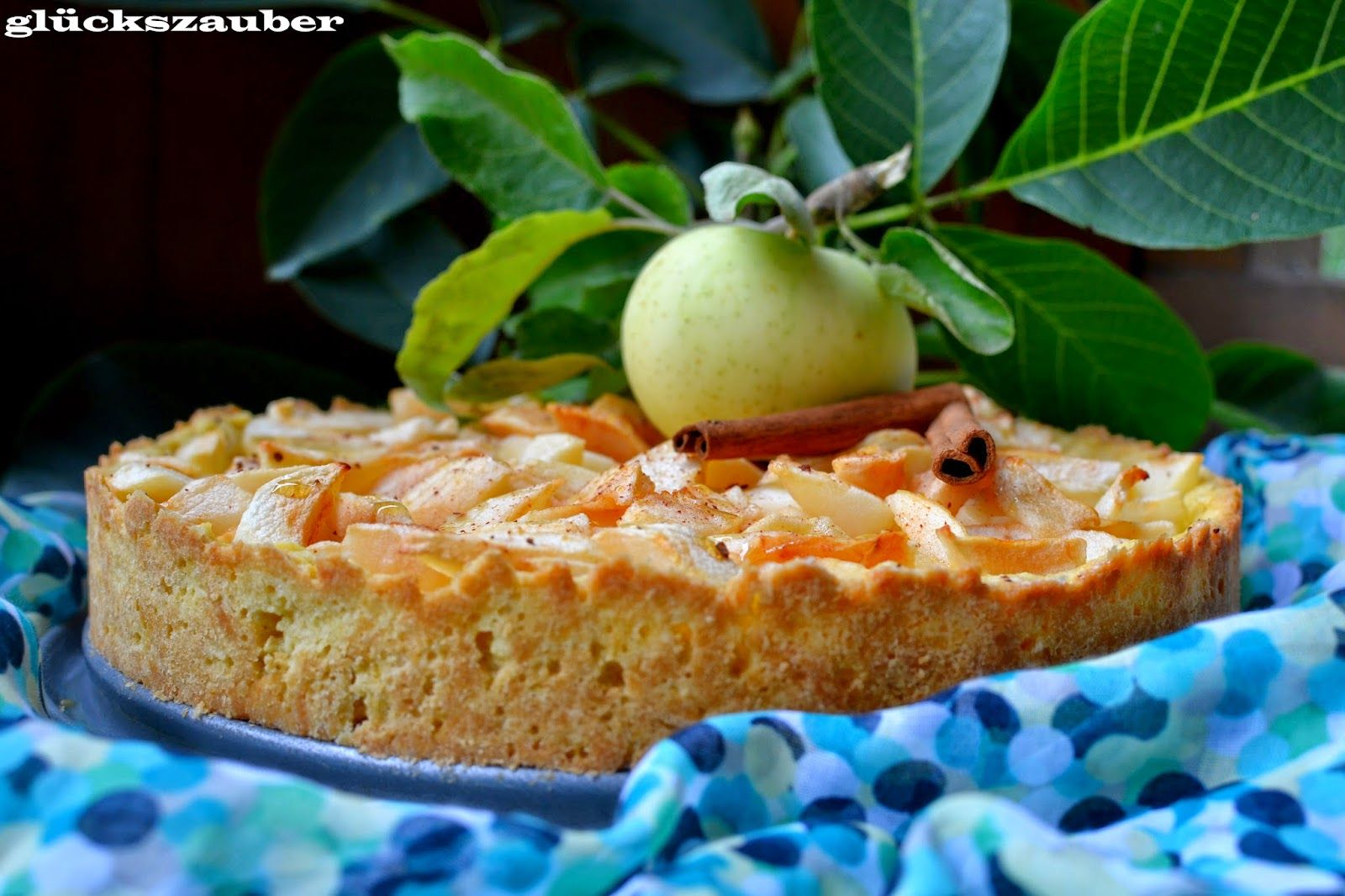 """glückszauber : Vanille-Apfeltarte mit Frühäpfeln und """"Termin-Ausflüge"""" #ichbacksmir #sommerrezept"""