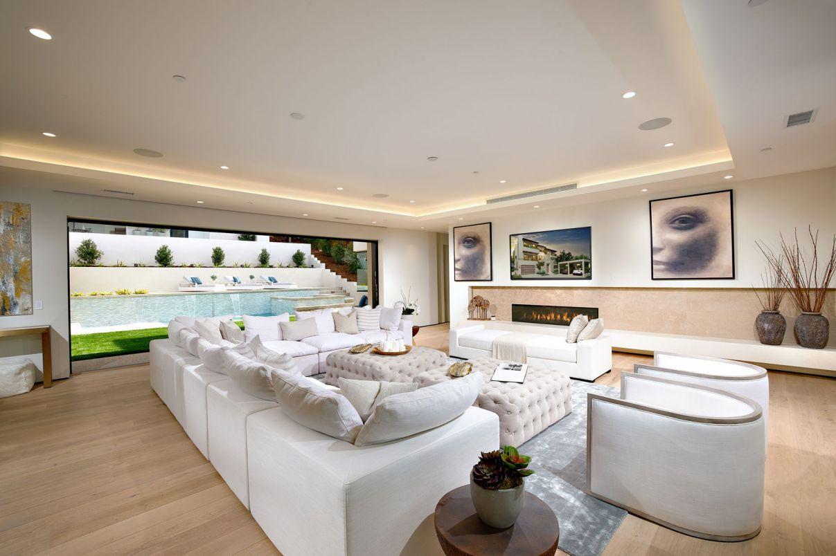 Castejon Modern Home In La Jolla California For Sale At 8 2 Million Modern House Farmhouse Decor Living Room Farm House Living Room