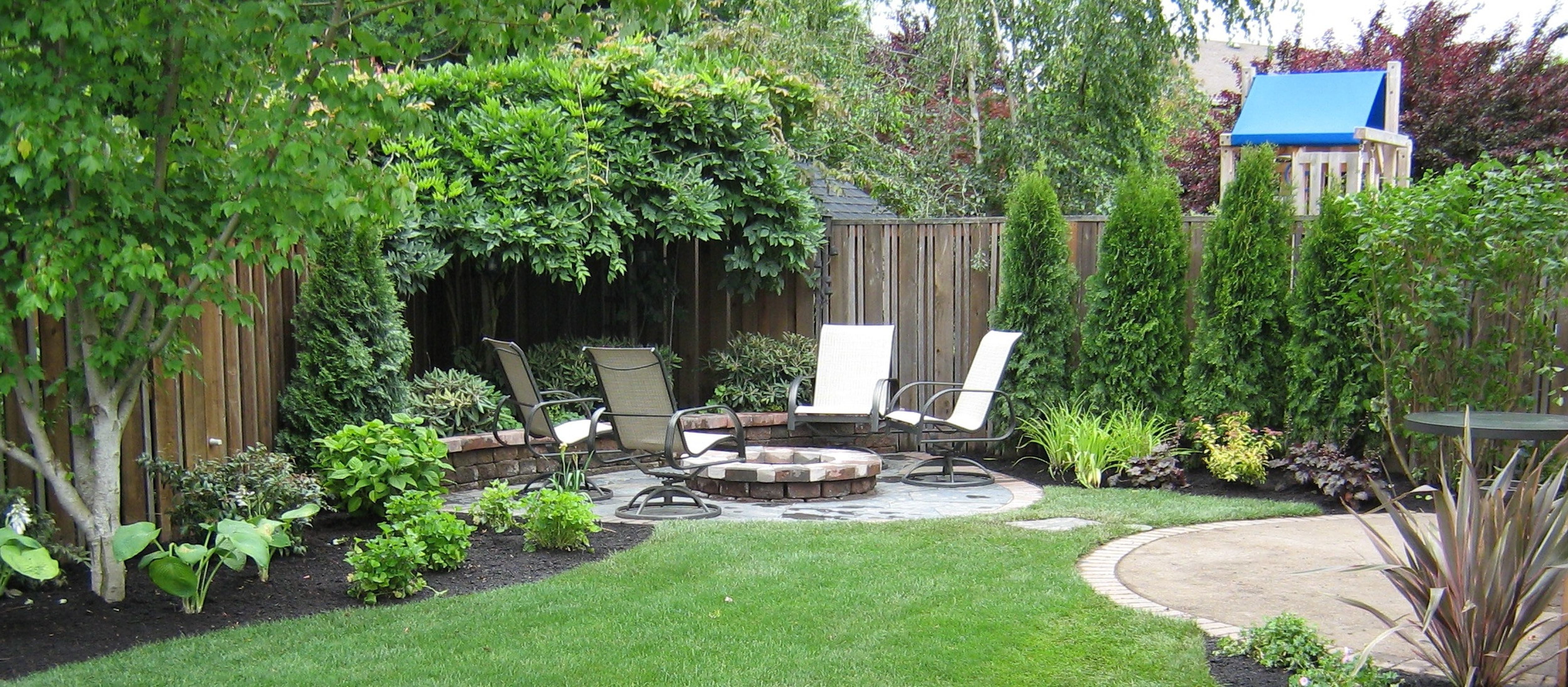 Simple landscaping ideas for a small space simple for Patio landscaping