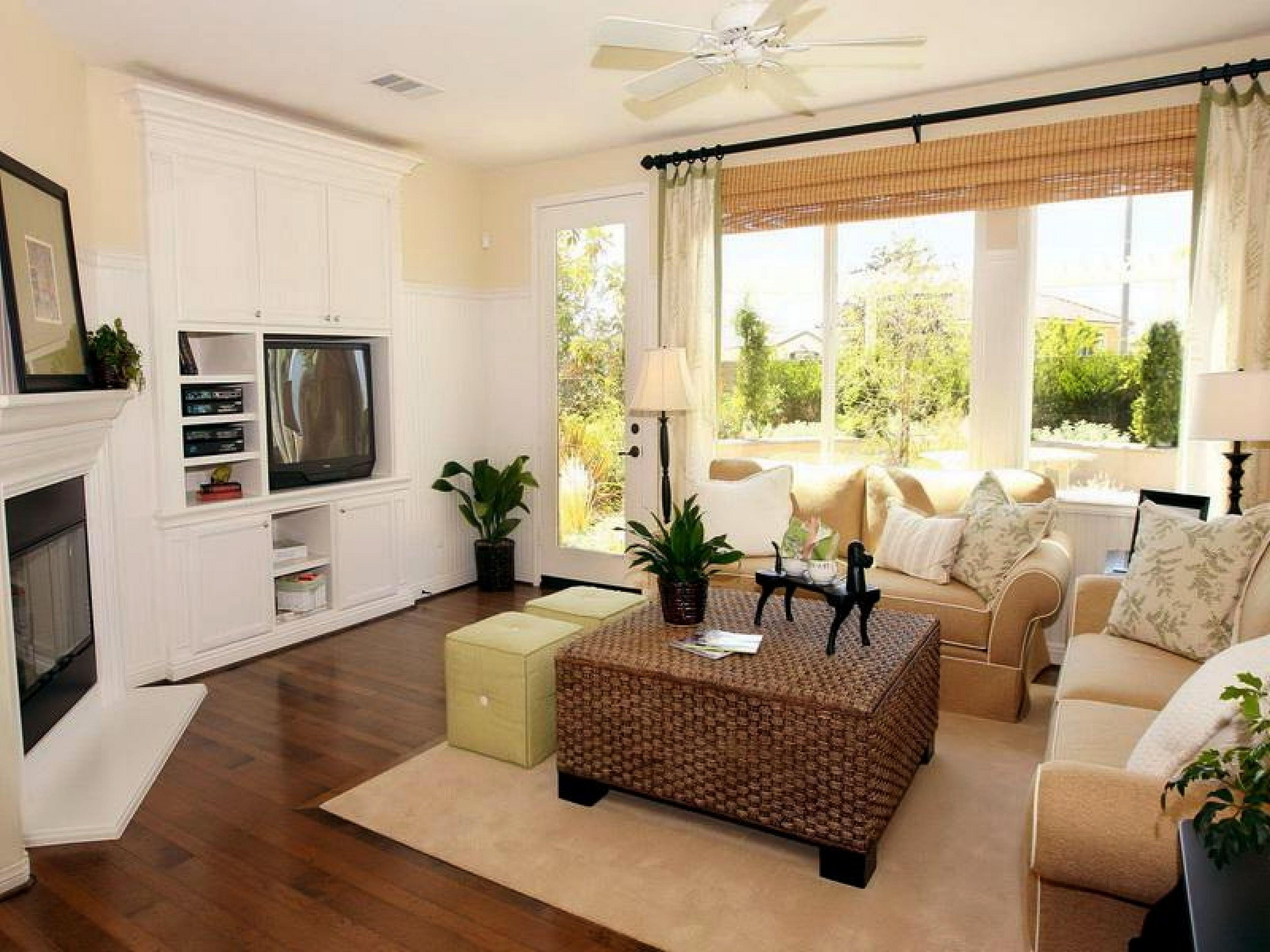 35 Best Apartment Interior Design Ideas To Make Your Room Beautiful Freshouz Com Small Apartment Living Room Apartment Living Room Rectangular Living Rooms