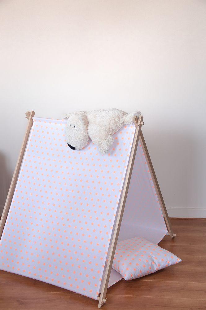 tente cabane pour enfant tipi pour enfant cabanes et pour enfants. Black Bedroom Furniture Sets. Home Design Ideas