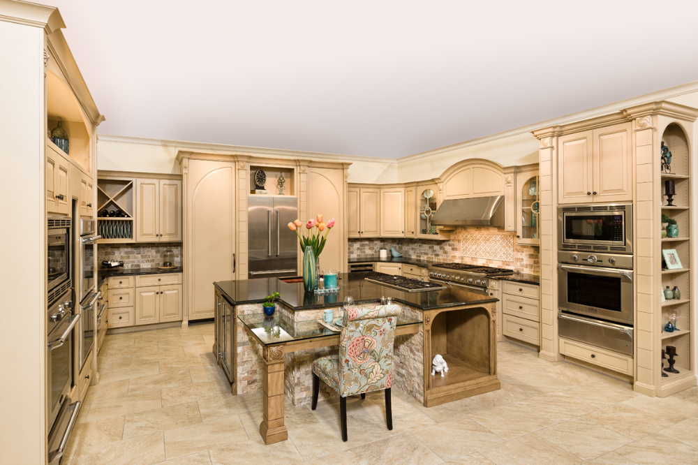 Traditional Kitchen featuring American Manufactured Jay ...